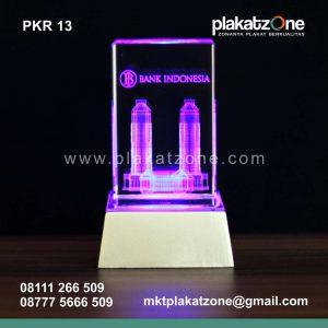 souvenir plakat kristal bank indonesia berkualitas