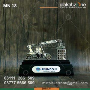 Miniatur Kendaraan Mobil Crane Pelindo III
