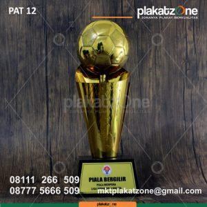 Trophy Piala Menpora Sepakbola Wanita